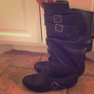 Other - Cute zip up black boots size 5.